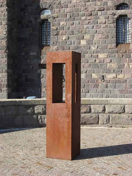 Franz F W Rle Bildhauer Skulpturen Aus Rostigem Eisen
